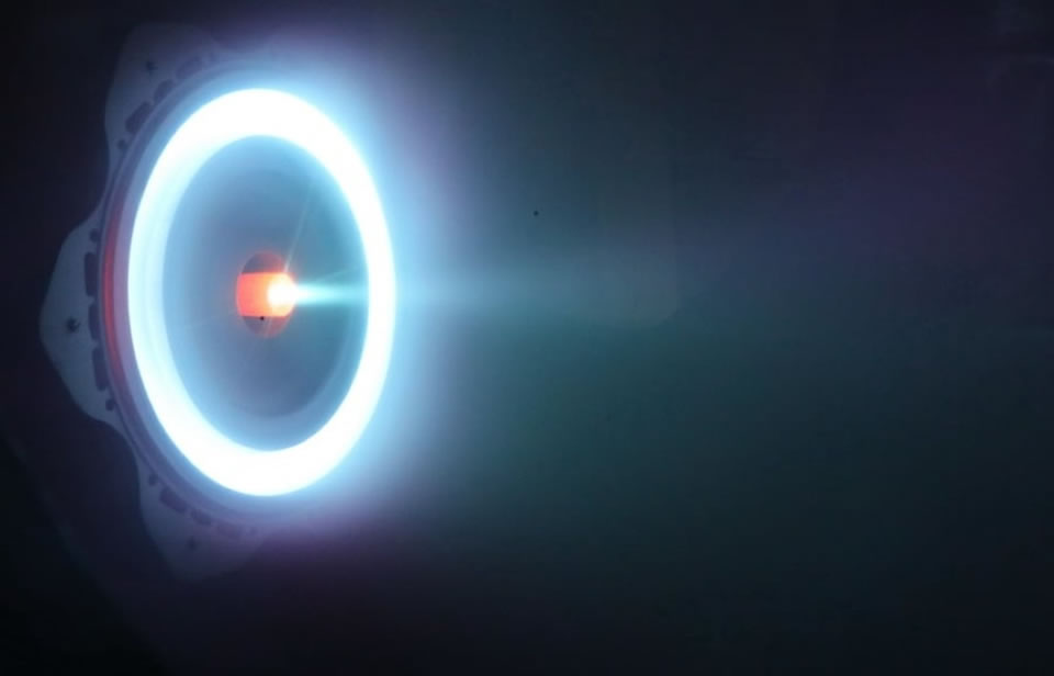В Харькове показали испытания ионно-плазменного двигателя для космоса