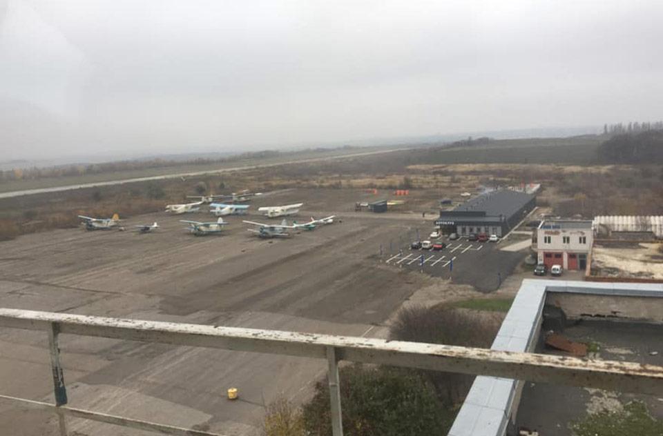 Малая авиация спасает аэропорт Хмельницкий