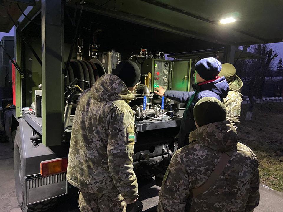 Пограничники получили 2 топливозаправщика для вертолетов Н125