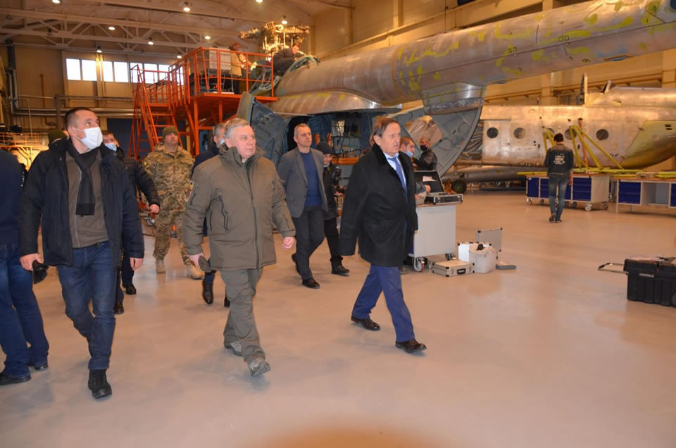 Министр обороны посетил