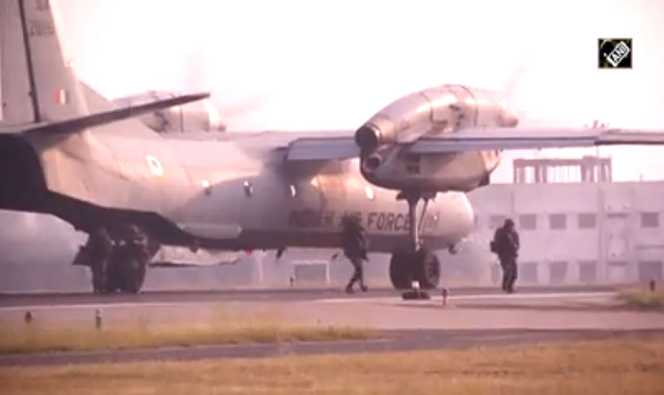 Ан-32 принял участие в авиашоу, посвященном войне с Пакистаном