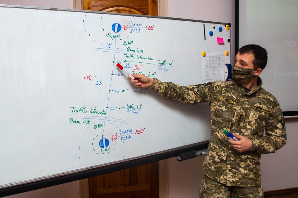 Офицеры армейской авиации готовятся к международным операциям
