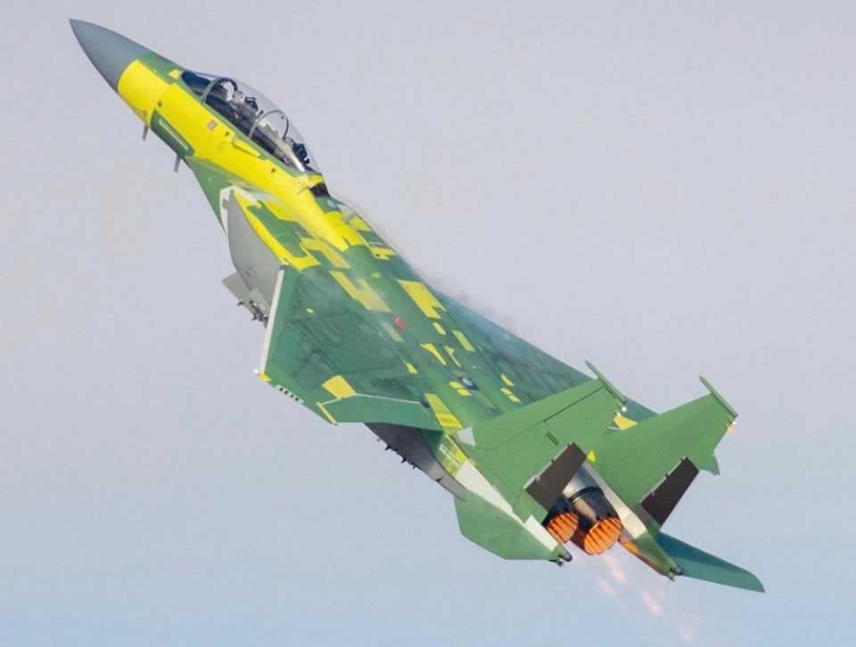 Самолет, который хотят Воздушные Силы Украины, выполнил первый полет