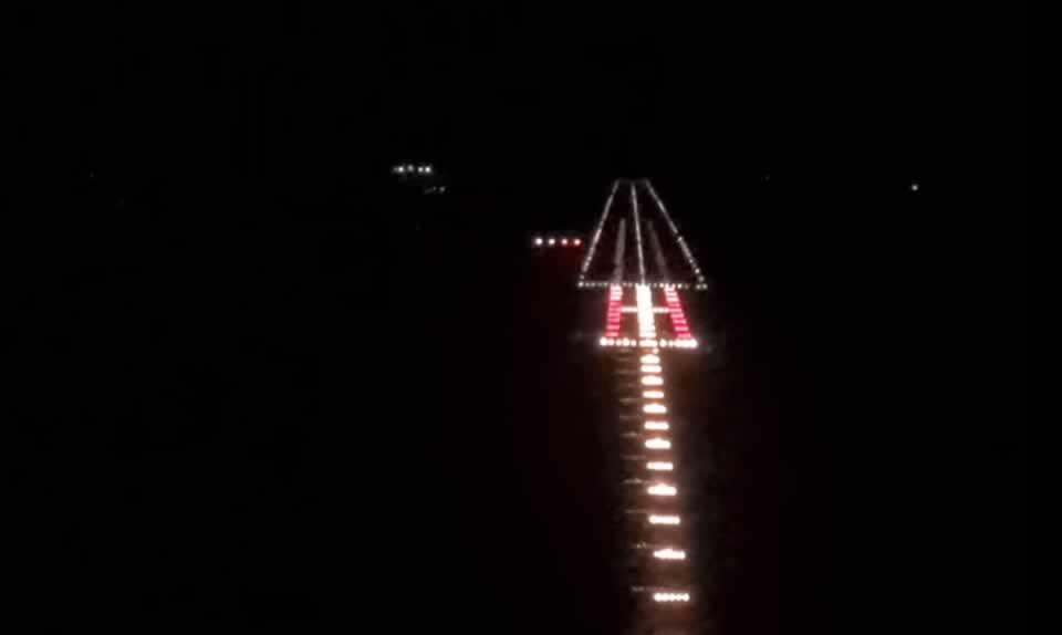 На аэродроме в Гостомеле тестируют систему спутниковой посадки самолетов