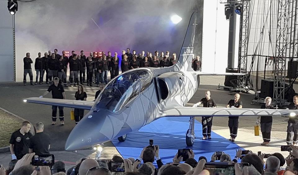 Вьетнам заказывает у Чехии самолеты L-39NG