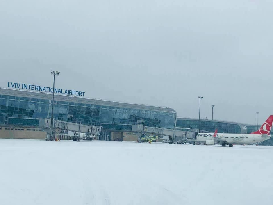 Львовский аэропорт отменяет рейсы по погоде