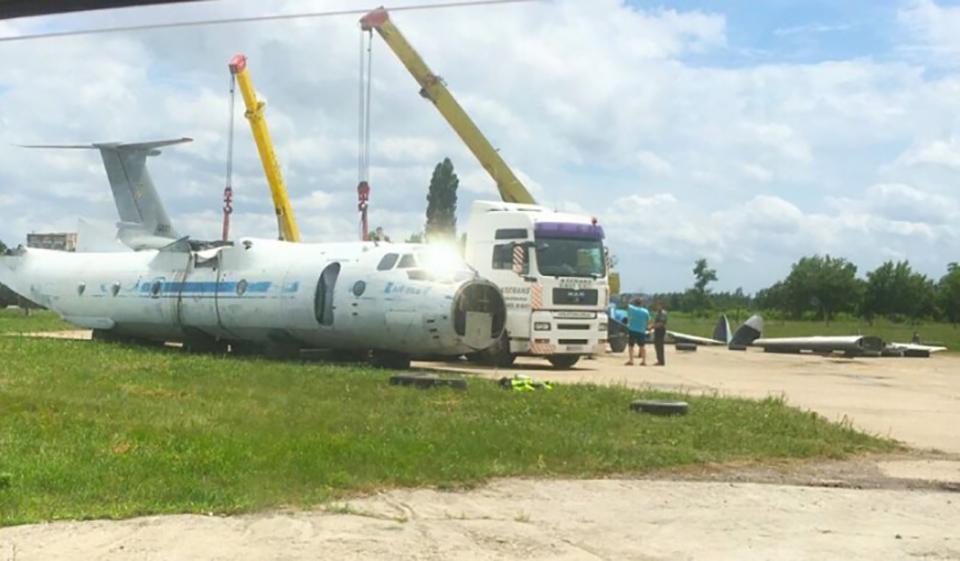 Кому самолет Ан-26 в Мелитополе передали на ответственное хранение