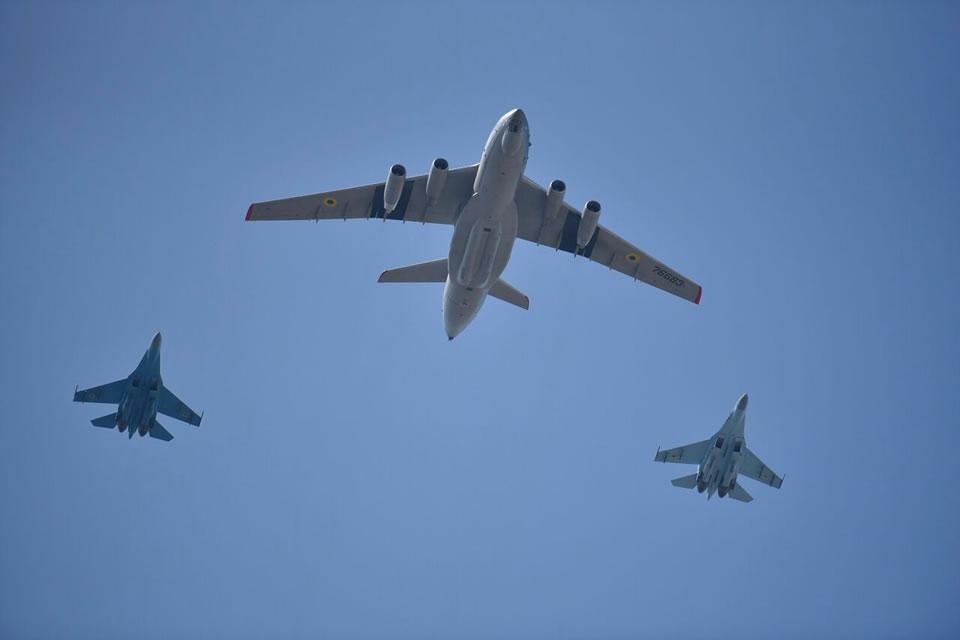 50 летательных аппаратов планируется привлечь на парад на День Независимости
