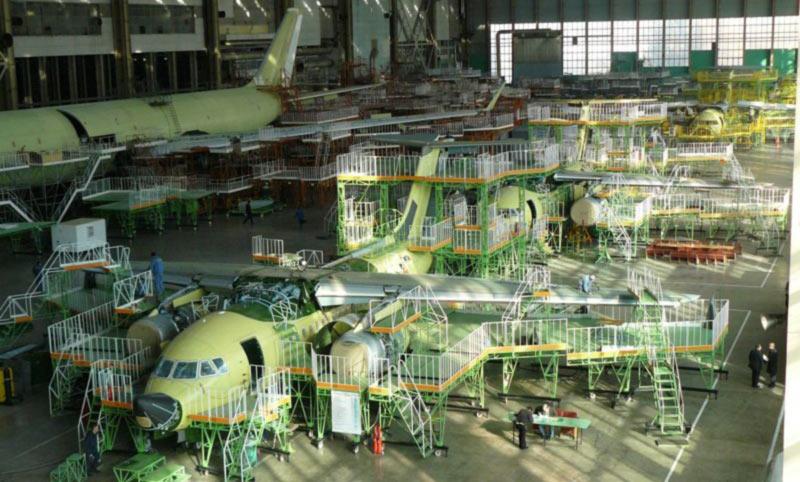 С производителя Ан-148 хотят взыскать 2,6 миллиона долларов