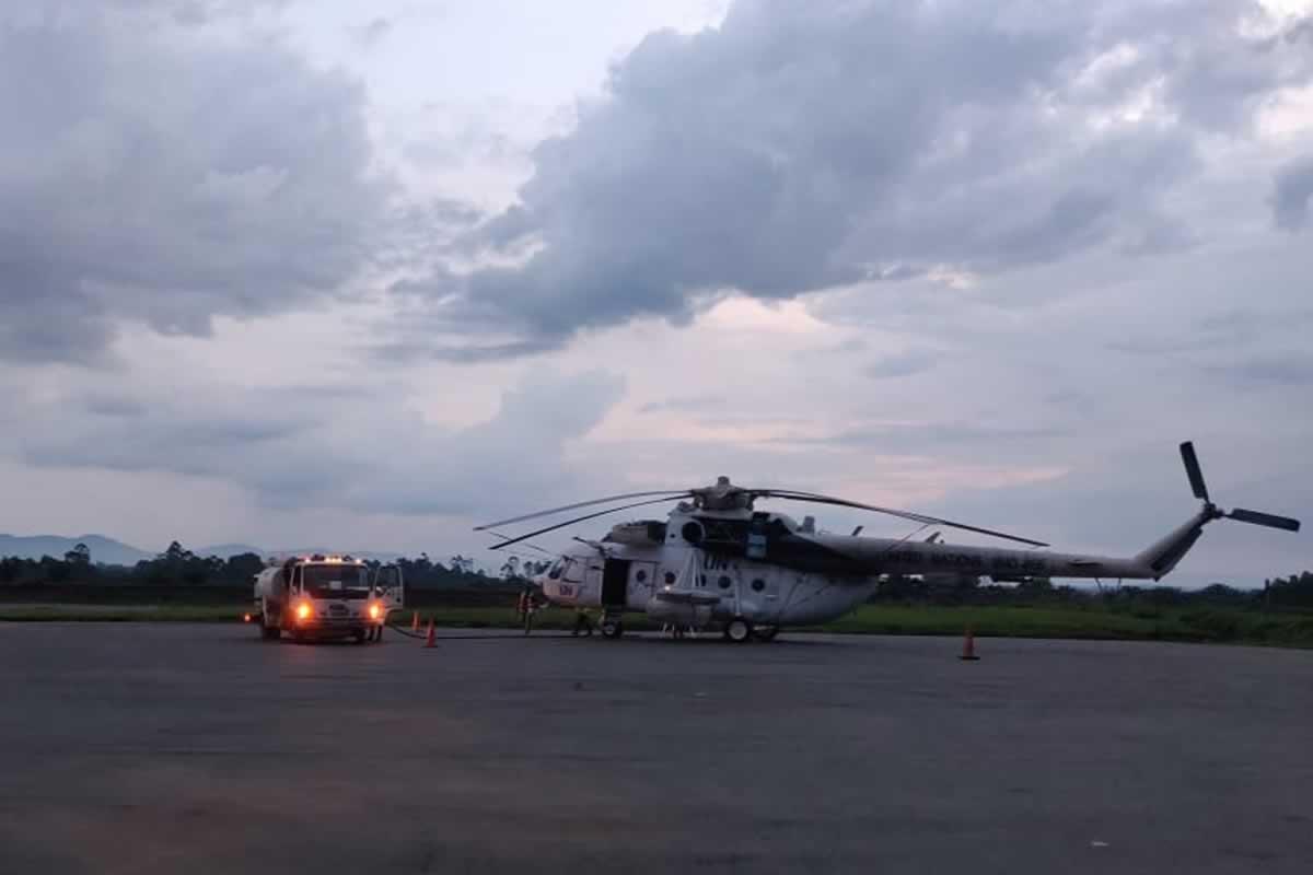Украинские вертолетчики перевезли раненых в Конго