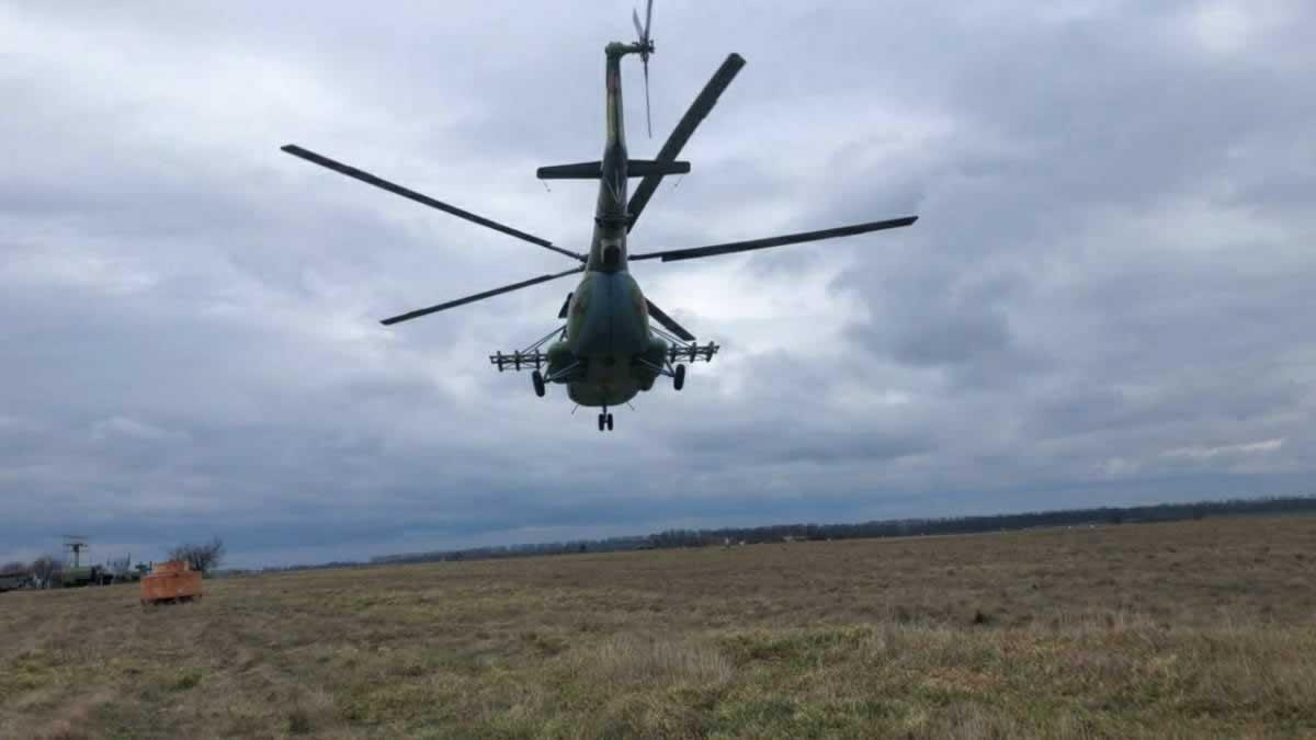 Винницкая бригада летала днем и ночью в сложных метеоусловиях