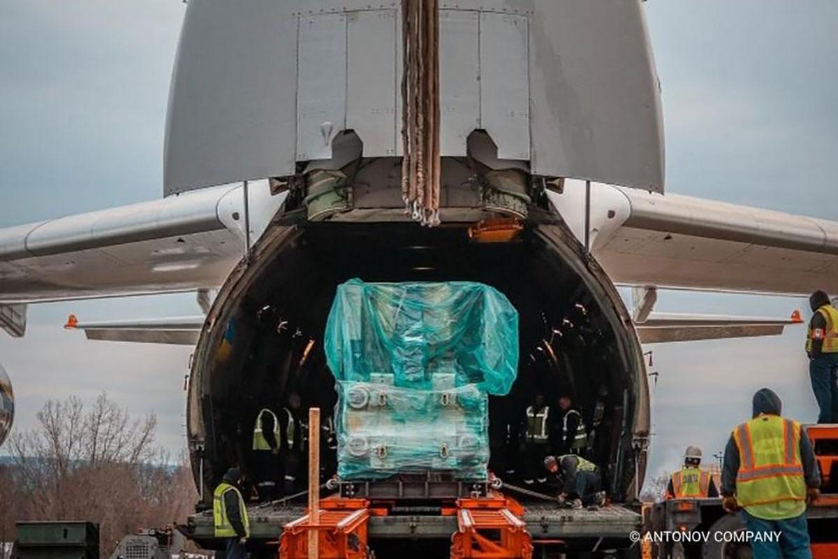 Авиалинии Антонова перевезли оборудование для производства вакцины против COVID-19