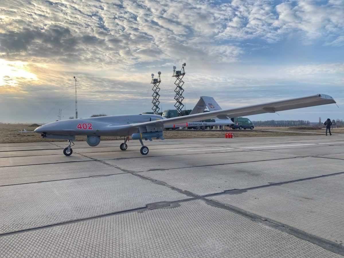 Украинские Bayraktar TB2 выполняли задания над Черным Морем