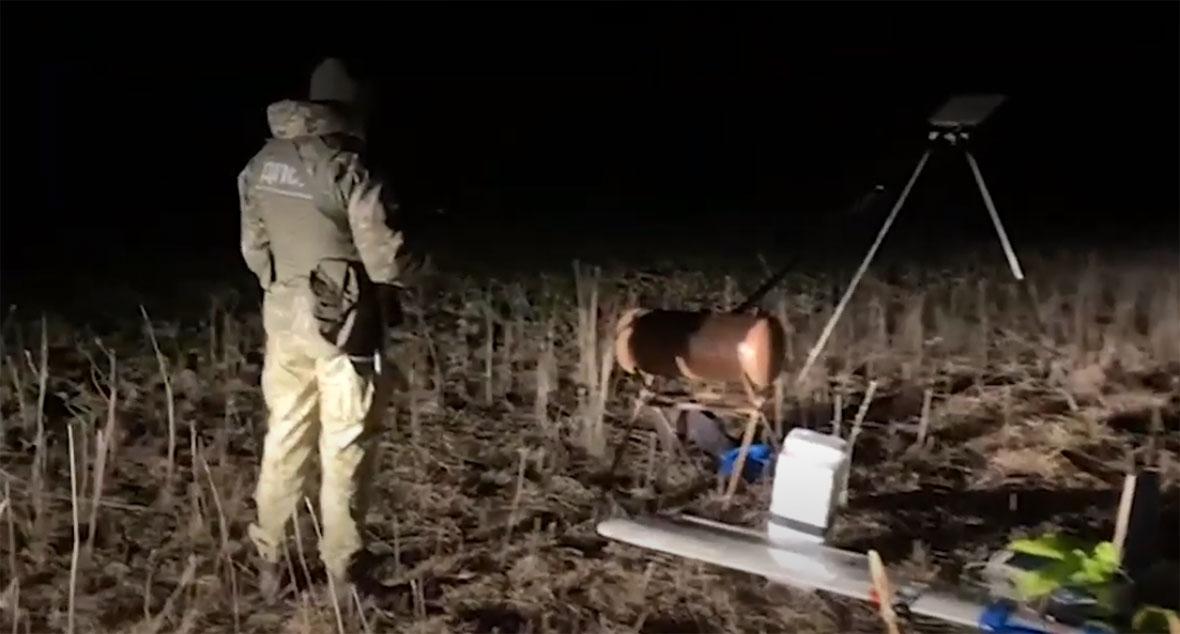Двое волынян беспилотником пытались переместить в Польшу контрабандные сигареты