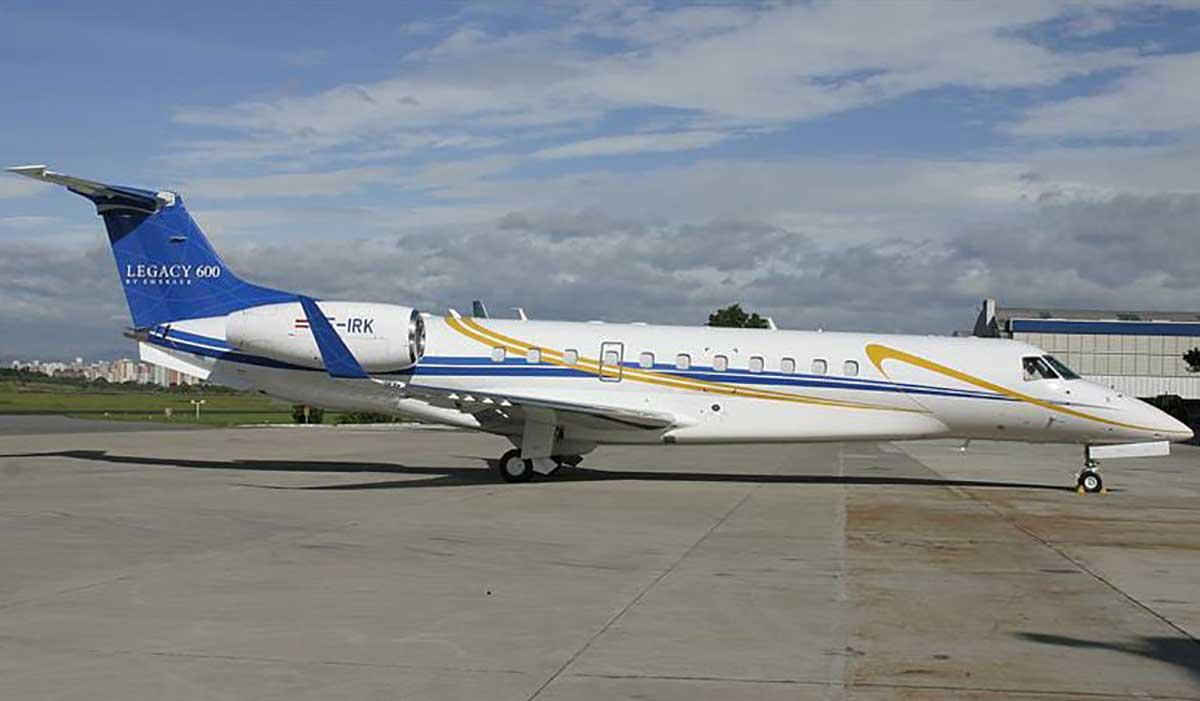 Канцлер Австрии пользовался самолетом Фирташа - СМИ