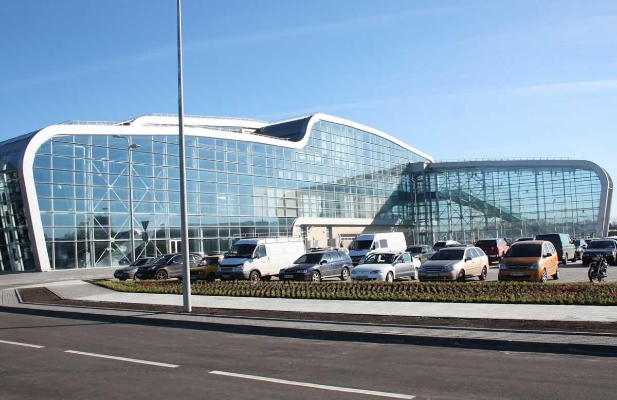 Аэропорты Львова и Херсона сдадут в концессию первыми