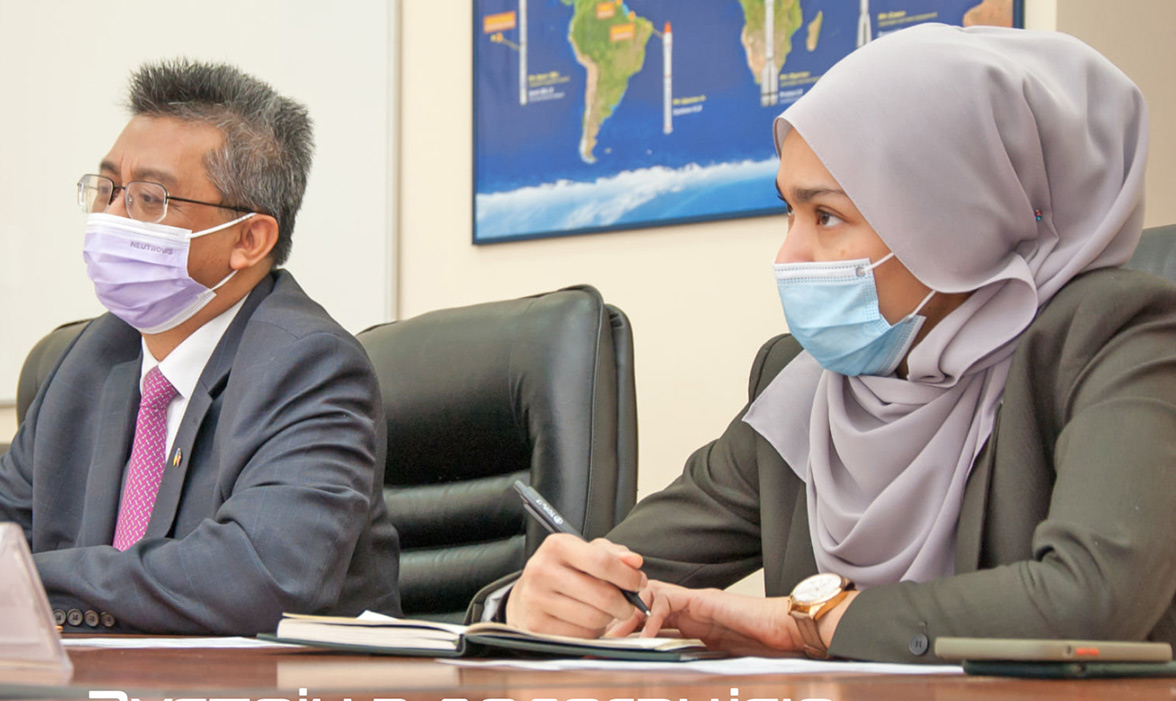 Глава Госкосмоса встретился с послом Малайзии
