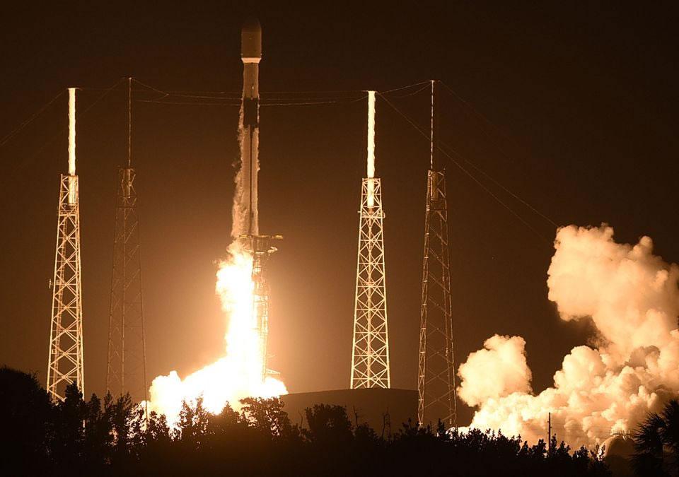 C SpaceX договорились о запуске украинского спутника