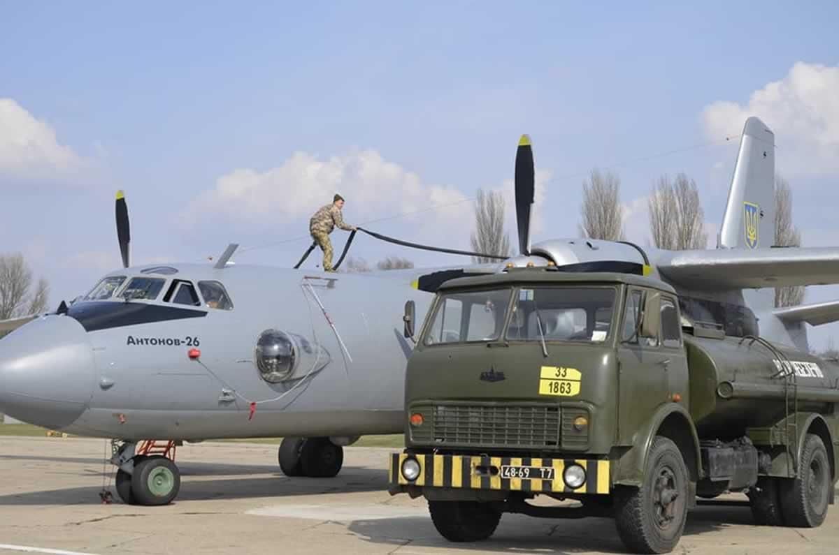 В Борисполе провели вторые командирские полеты в этом году