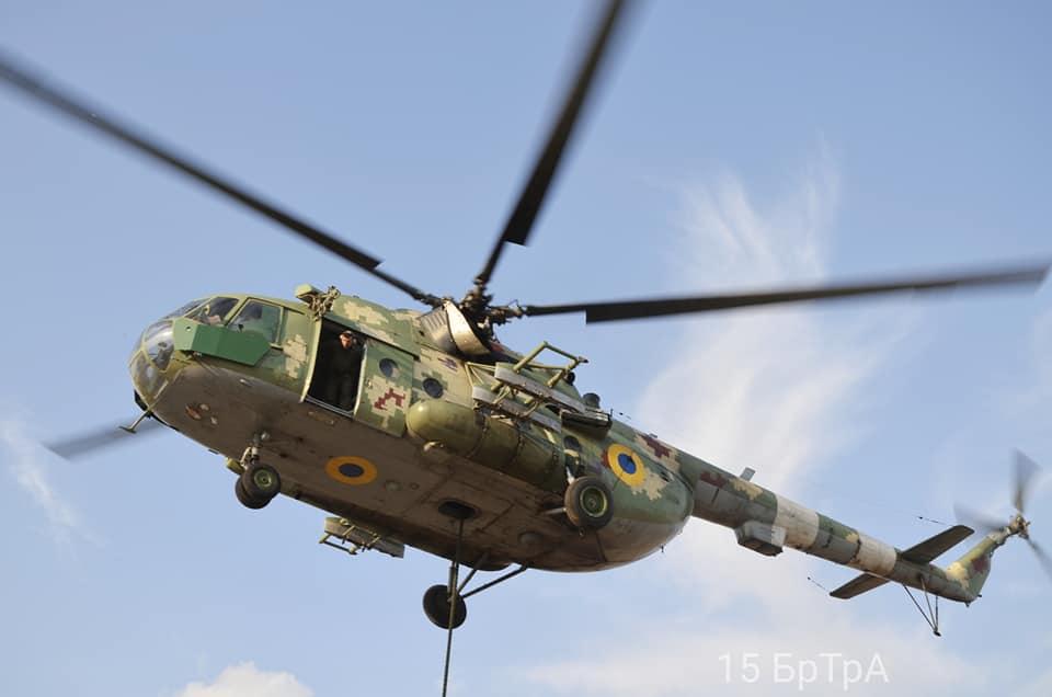 Вертолетчики  отработали безпарашютное десантирование