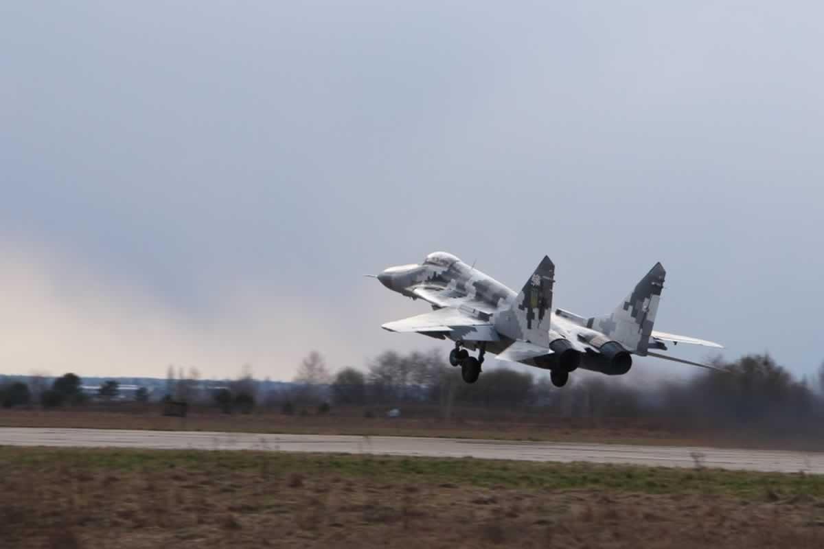 Волынские летчики утверждают, что уровень подготовки не сравнить с довоенным