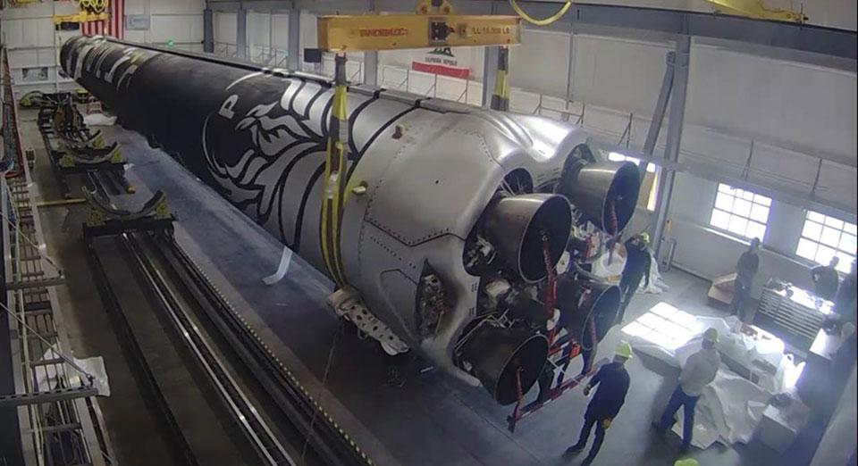 Firefly показала установленную на космодроме ракету Alpha