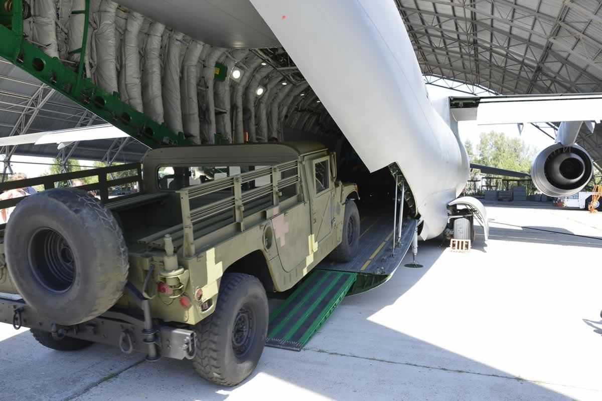 В США разрабатывают системы загрузки и воздушного десантирования грузов для Aн-178