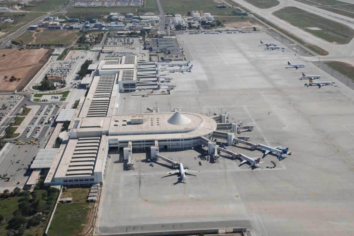 Шмыгаль дал поручение проработать увеличение рейсов между Украиной и Турцией