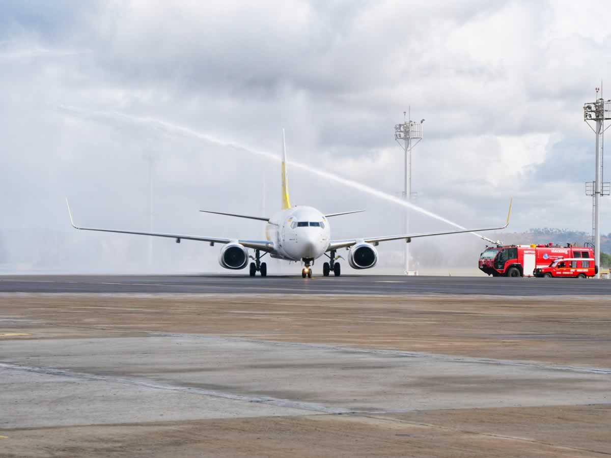 Первый чартер Bees Airline прибыл в Кению