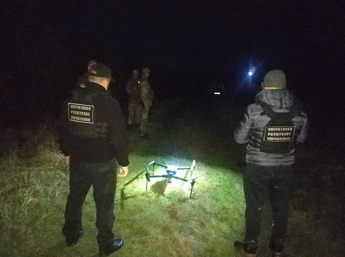 Пограничники обнаружили очередной квадрокоптер с сигаретами