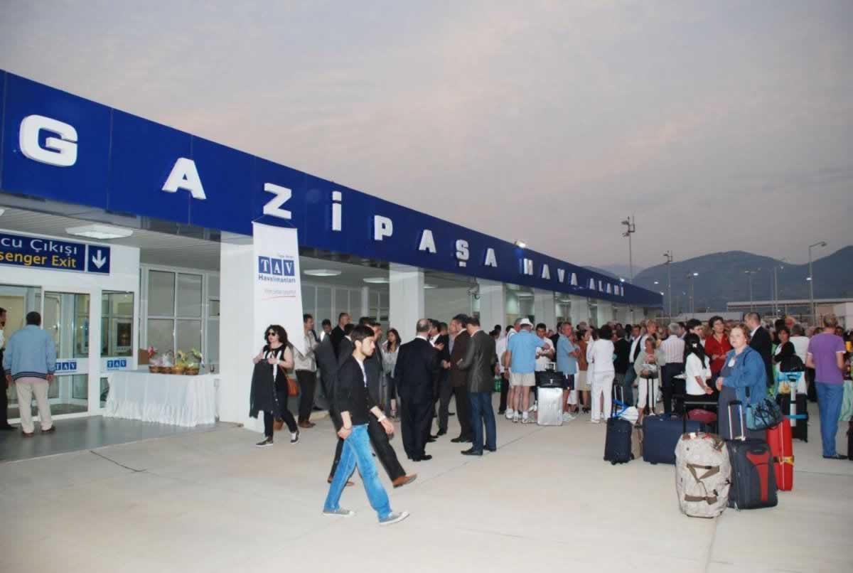 Украина и Турция договорились об увеличении авиаперелетов в Аланию