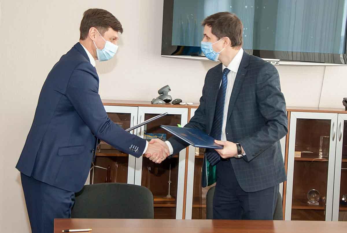 Госкосмос и Госгеокадастр подписали Меморандум о сотрудничестве