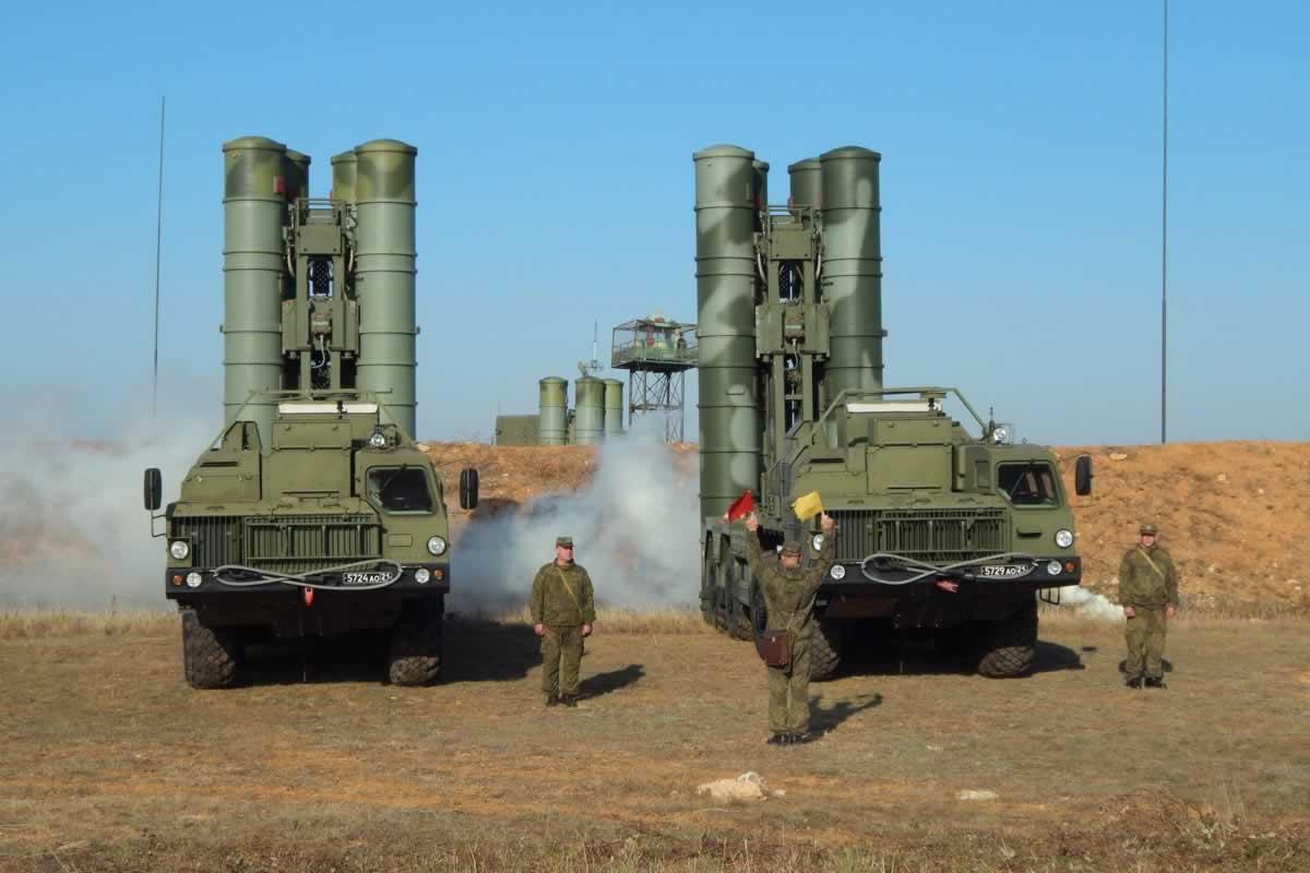 Канада отреагировала на угрозу на границах Украины и в Крыму