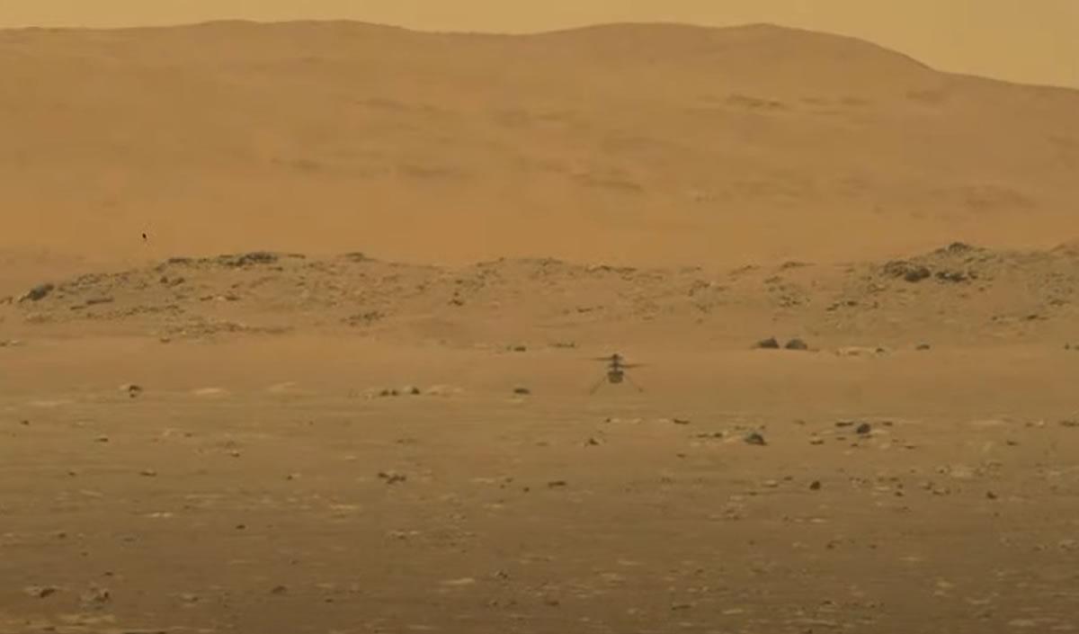 Совершен первый полет на Марсе