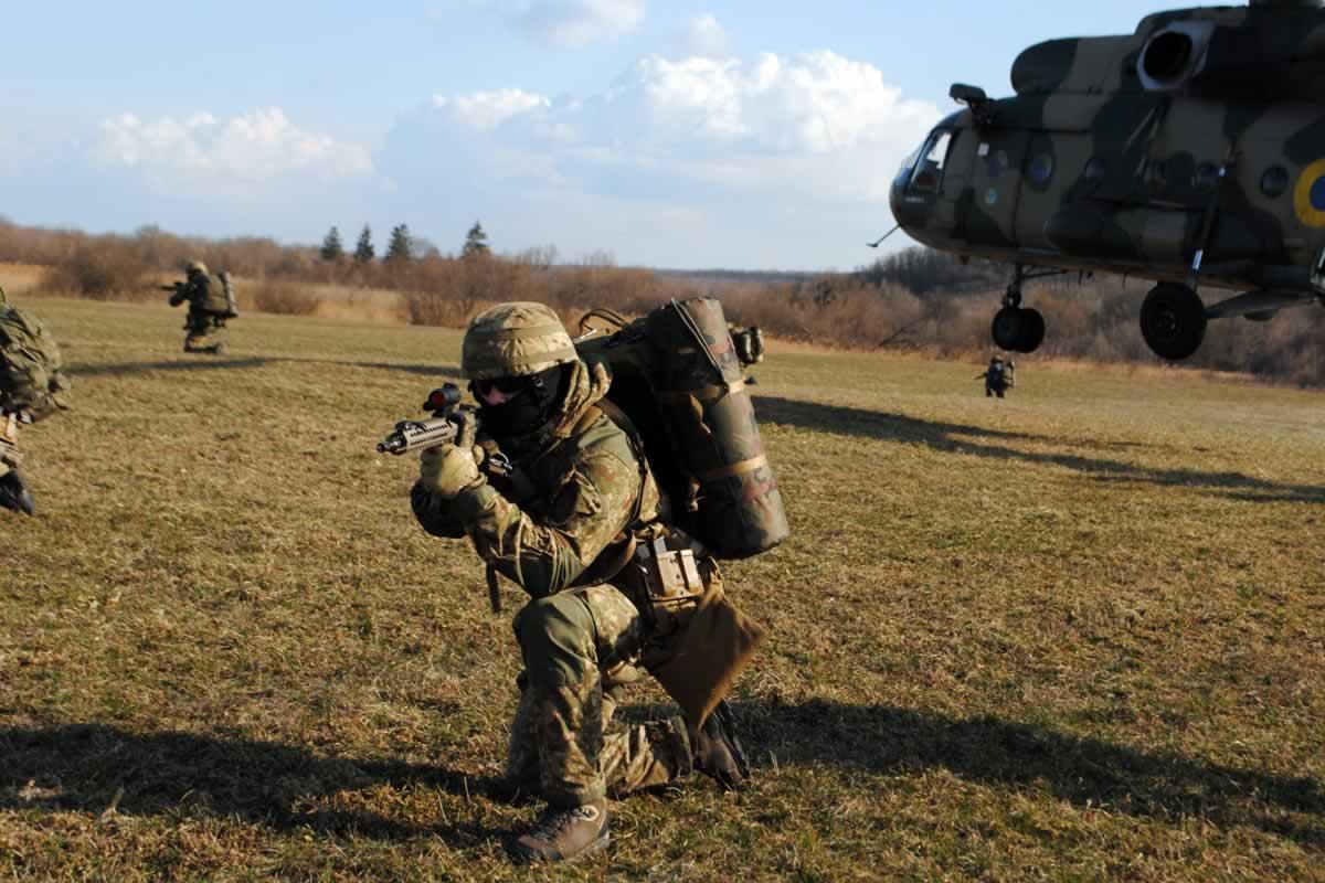 Авиация НГУ тренировалась с отрядом спецназначения