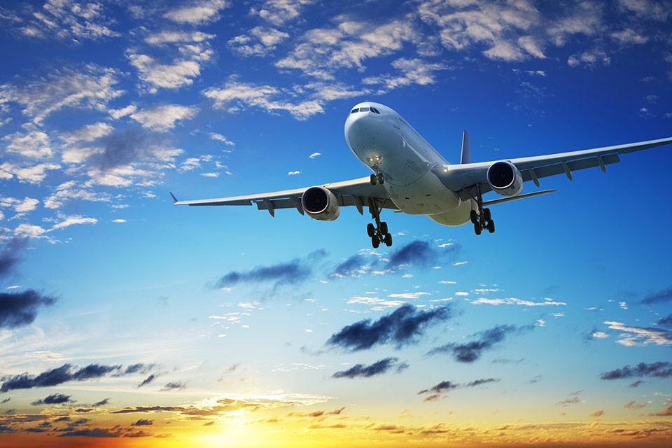 Азербайджан готов снять ограничения на авиасообщение с Украиной