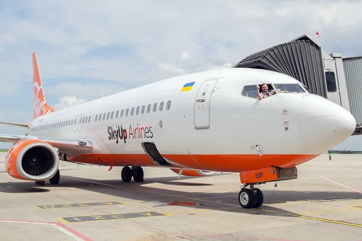 SkyUp перевезла более 127 тысяч пассажиров в марте