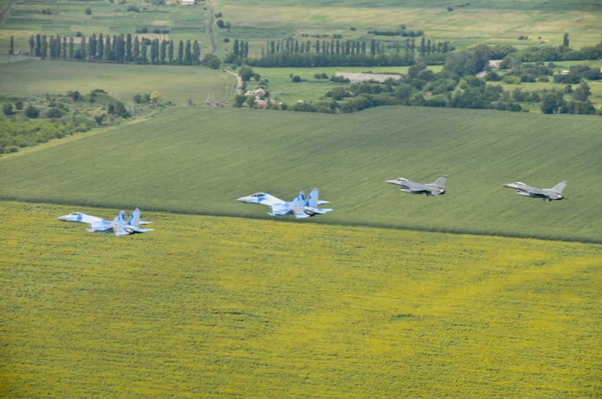 Украина призывает НАТО совместно патрулировать небо Украины с Воздушными Силами ВСУ