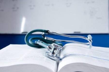Як отримати медичну освіту за кордоном?